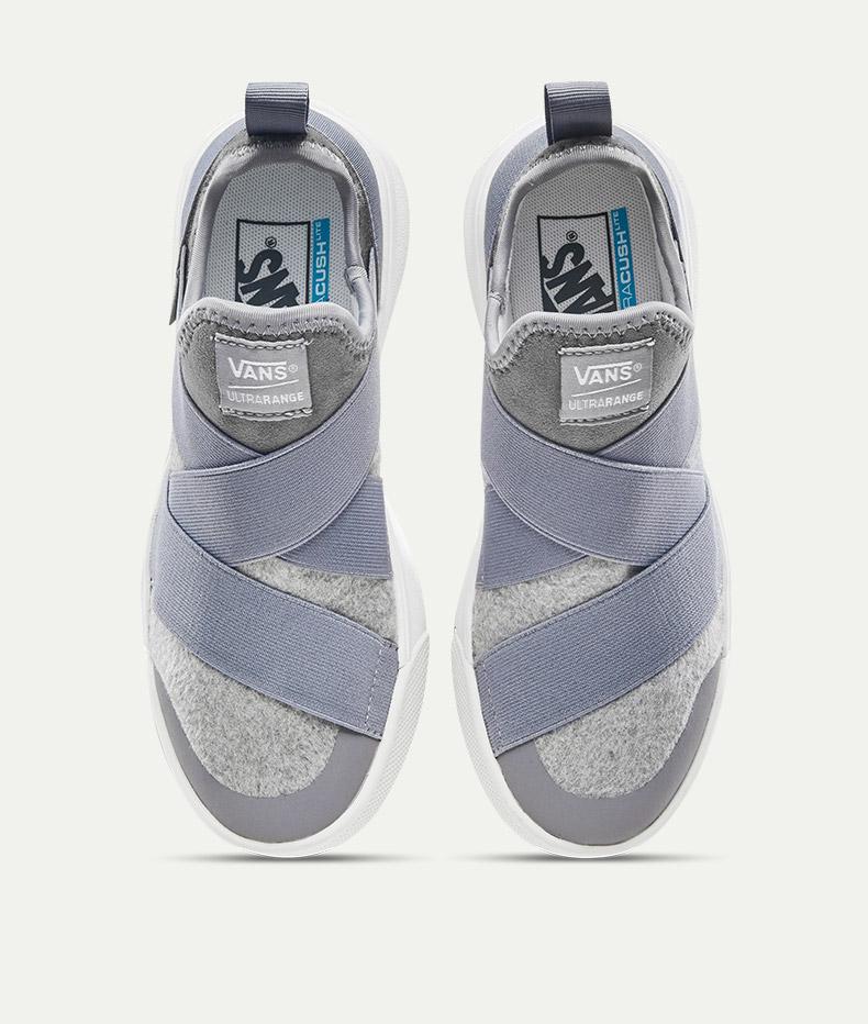 穿上这双万斯秋冬季帆布鞋,尽情在冬季享受运动的魅力吧