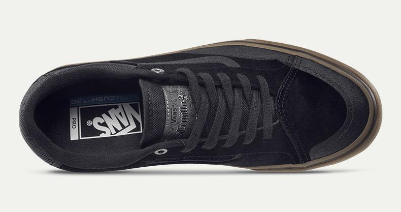 Vans滑板鞋(黑色)